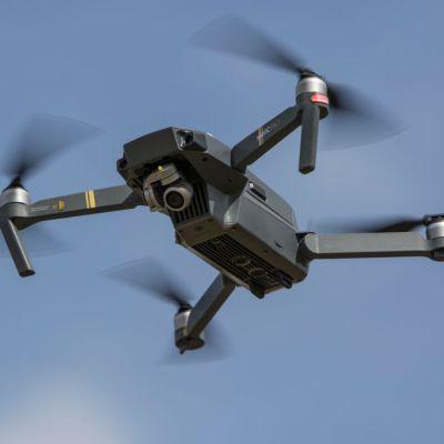 Detienen a mujer expolicía y a su banda por robar con dron