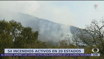 Hay 54 incendios activos en México
