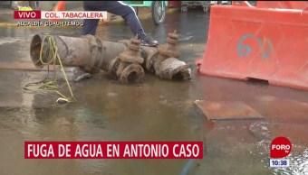 Inmensa fuga de agua en colonia Tabacalera, CDMX