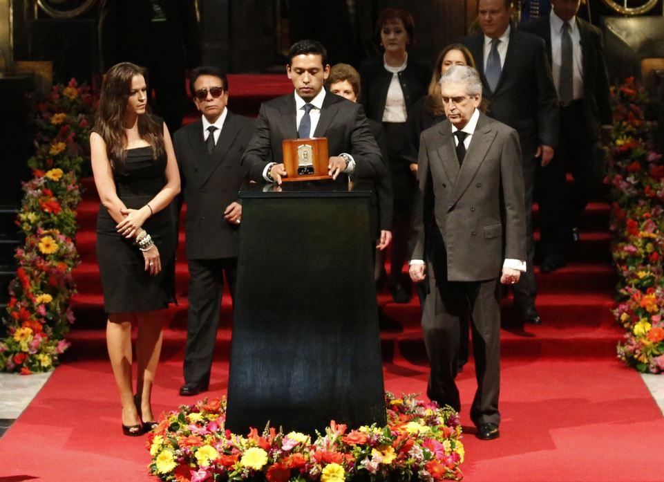 Foto Iván Aguilera es el único heredero universal de Juan Gabriel 23 mayo 2019