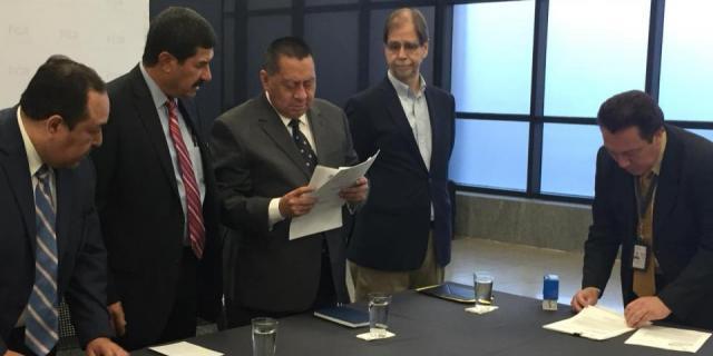 Javier Corral denuncia a funcionarios de PGR ante Fiscalía