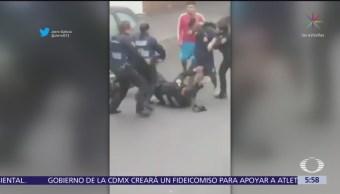 Jóvenes avientan motoneta a policías de la CDMX