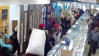 Desalojan a comerciantes e inquilinos de edificio del Centro Histórico mediante juicio simulado