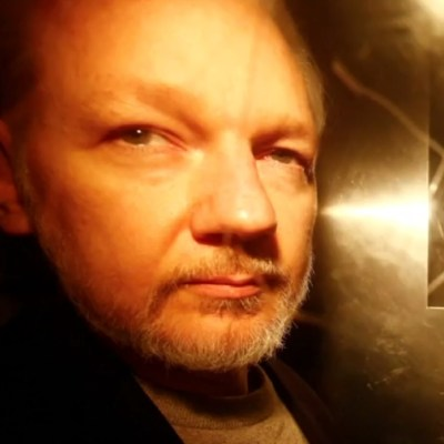Assange volverá a comparecer ante la justicia británica el 12 de junio