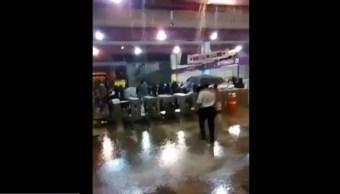 Foto Lluvia causa cascada en estación del Metro Pantitlán, CDMX 16 mayo 2019