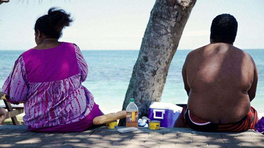 Los alimentos procesados y el estilo de vida sedentario provocan un alza desmesurada de la obesidad entre las poblaciones latinas (GettyImages)
