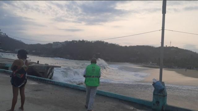Foto: Mar de fondo en costas de Oaxaca, 21 de mayo 2019. Twitter @CEPCO_GobOax