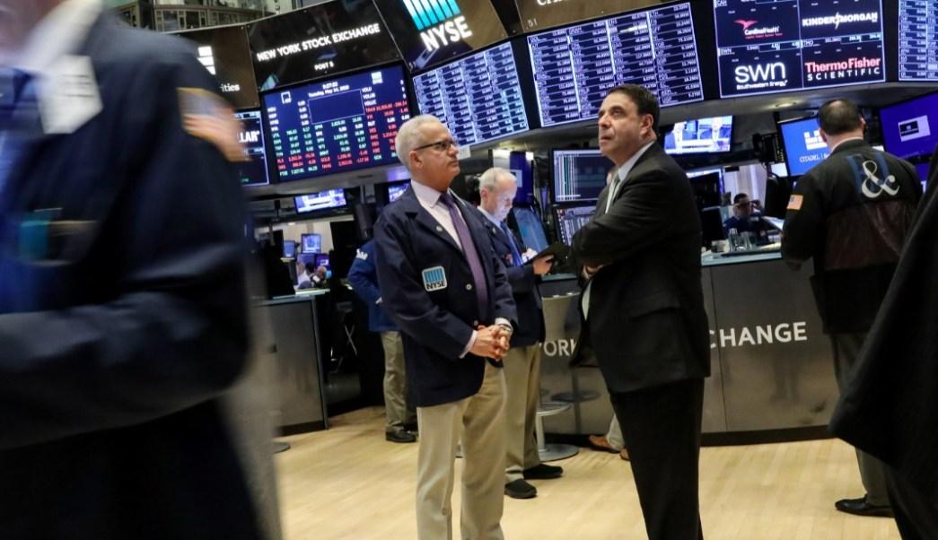 Foto: Los comerciantes trabajan en el piso de la NYSE en Nueva York, mayo 14 de 2019 (Reuters)