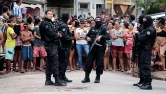 Foto: Policías acordonan un bar donde hombres armados mataron e hirieron a sus clientes, en Belem, Brasil, mayo 19 e 2019 (Reuters)