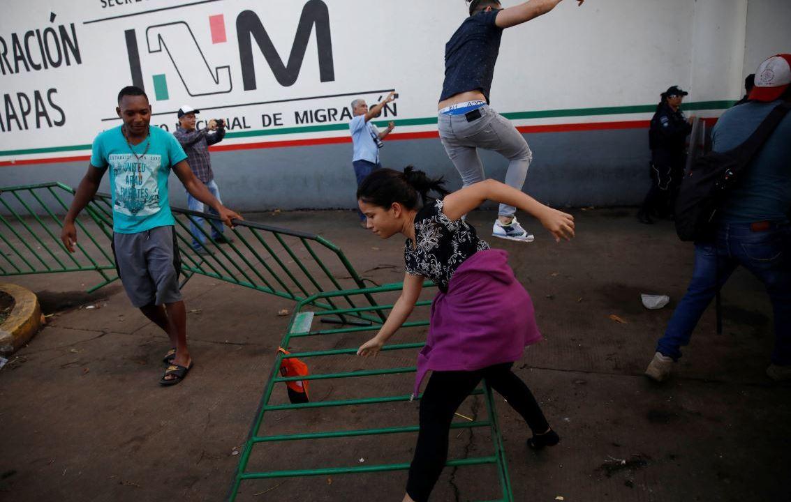 Foto: Este el séptimo amotinamiento en menos de 17 días y la quinta fuga de migrantes al interior de la Estación Migratoria Siglo XXI, el 12 de mayo de 2019 (Reuters)