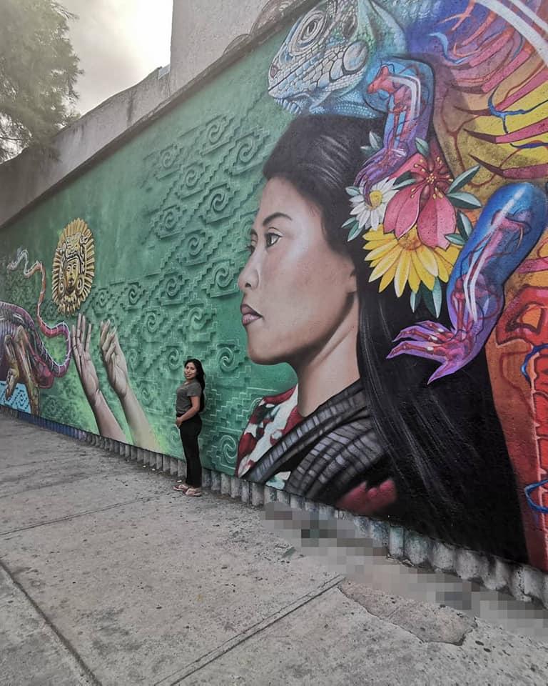 foto mural yalitza aparicio 26 mayo 2019