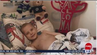 FOTO: Niño enfermo recibe una sorpresa de Lewis Hamilton