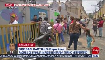 FOTO: Padres de familia impiden ingreso a plantel escolar, 27 MAYO 2019