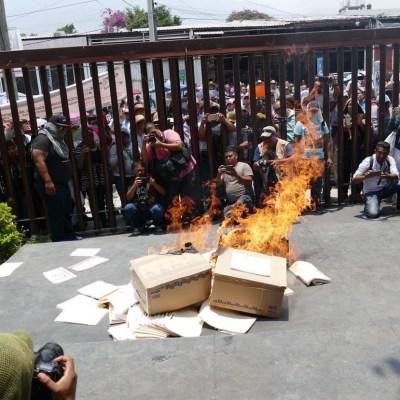 Integrantes de la CETEG vandalizan Congreso de Guerrero