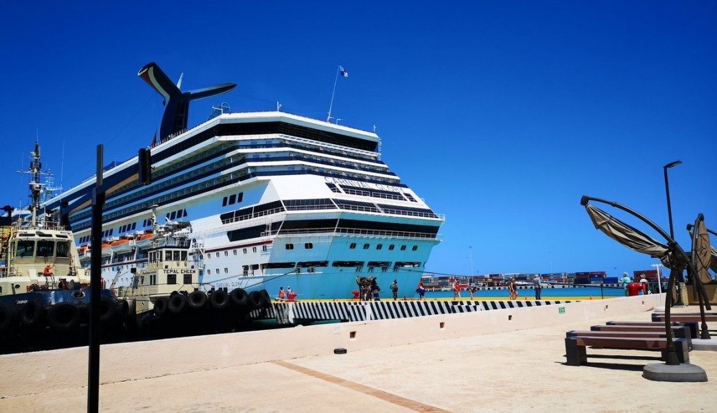 Foto: arribo de cruceros en Puerto Progreso, Yucatán, 11 de abril 2019. Twitter @PuertosYucatan