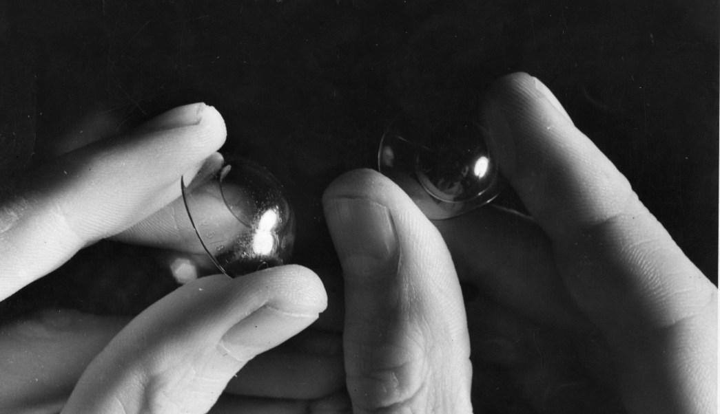 72a881c197 Recomiendan no usar lentes de contacto durante contingencia ambiental
