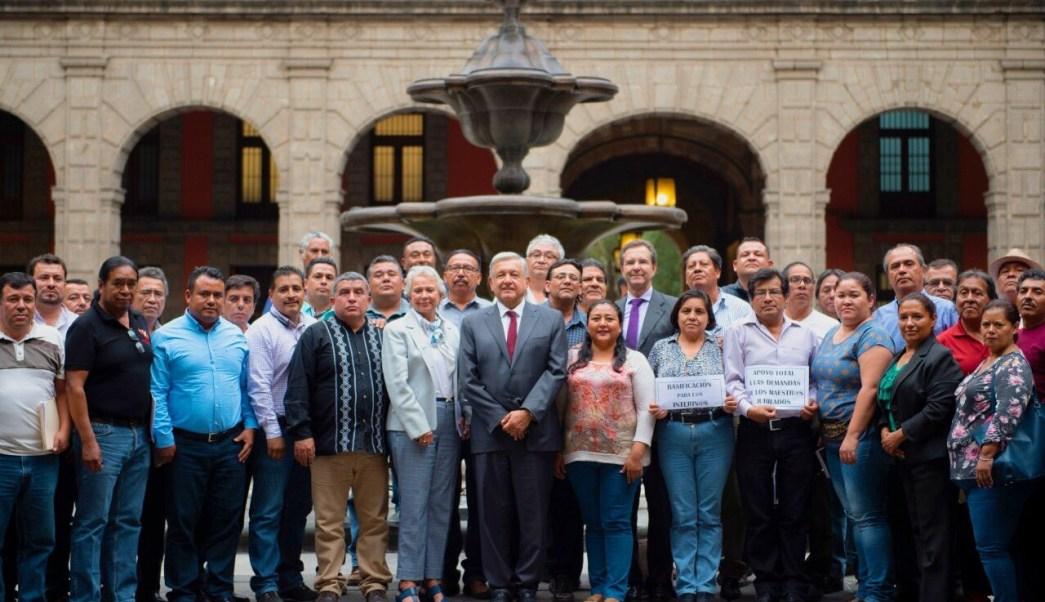 AMLO se reúne con la CNTE; acuerdan mesas de trabajo