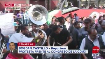 Se manifiestan con música frente al Congreso de la CDMX