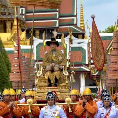 'Reinaré con justicia': rey Vajiralongkorn de Tailandia