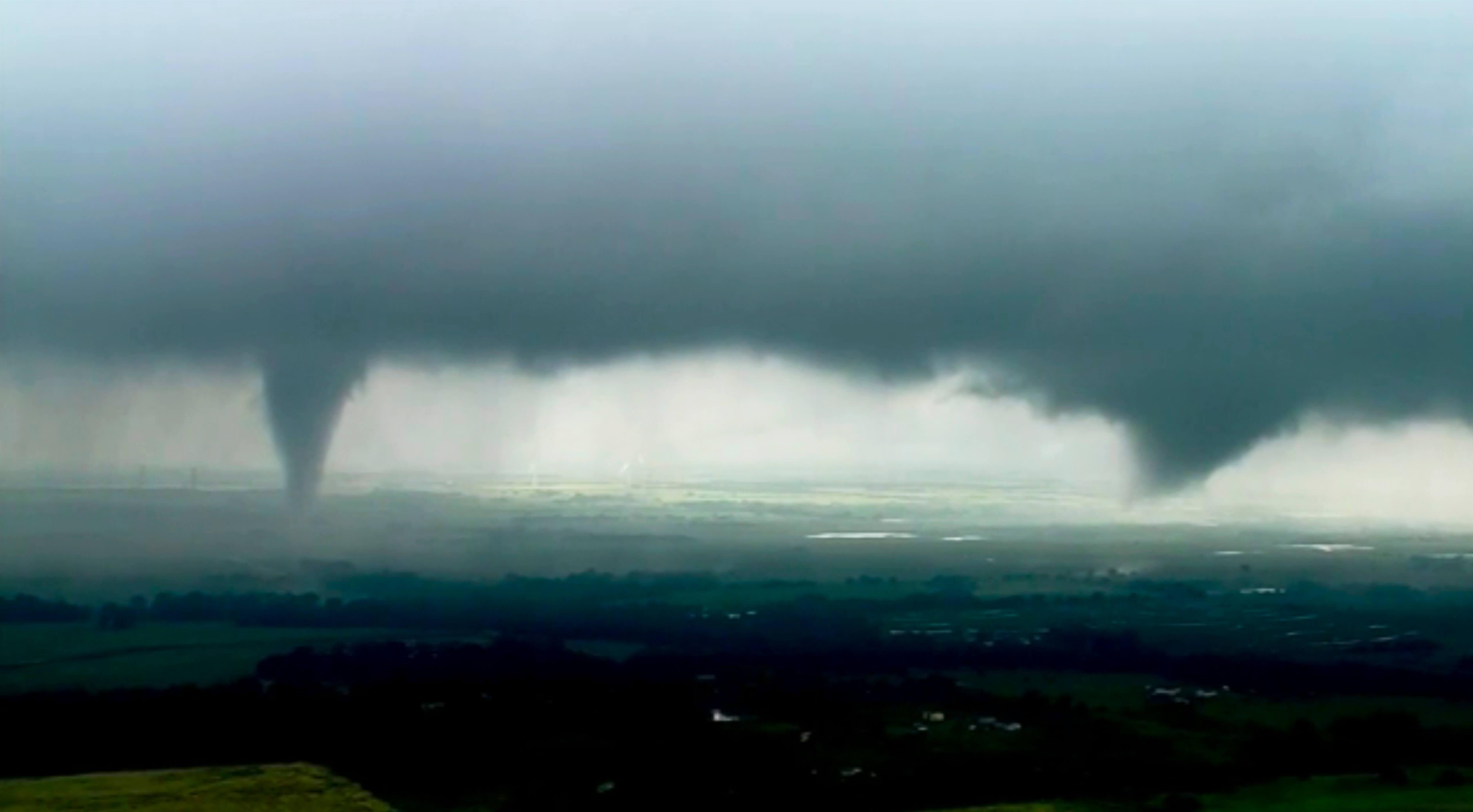 FOTO Oklahoma registra severas tormentas y formación de tornados (AP 20 mayo 2019)
