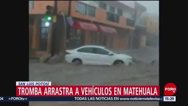 Foto: Tromba arrastra cientos de vehículos en Matehuala