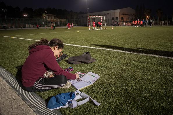 Utilizar el tiempo libre para estudiar es efectivo, sólo que es mejor si lo organizas, dado que así podrás también descansar, ayudando a tu cerebro (GettyImages)