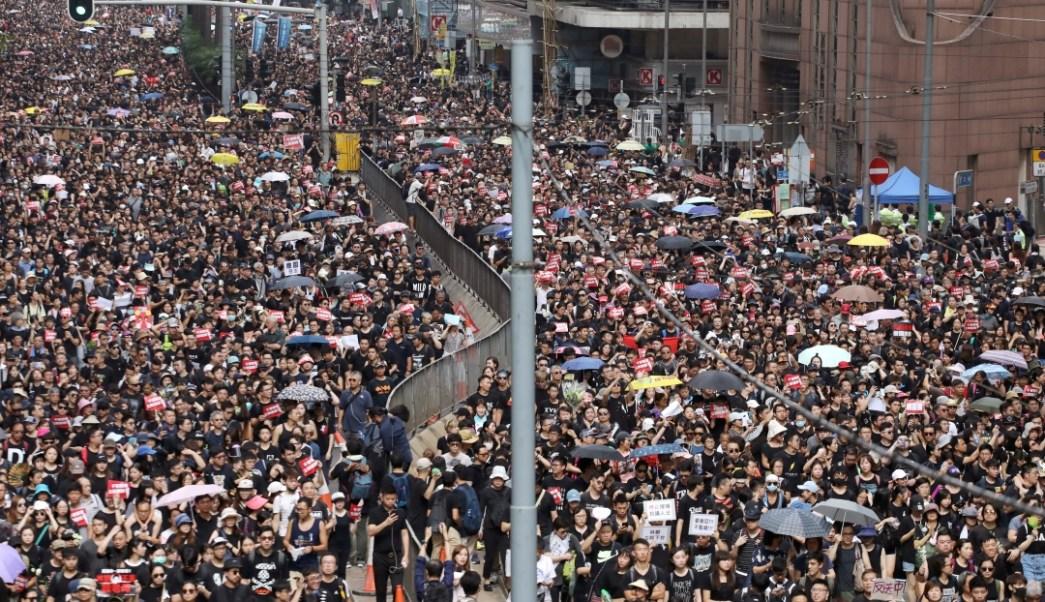 Manifestantes en Hong Kong inician protesta contra ley de extradición