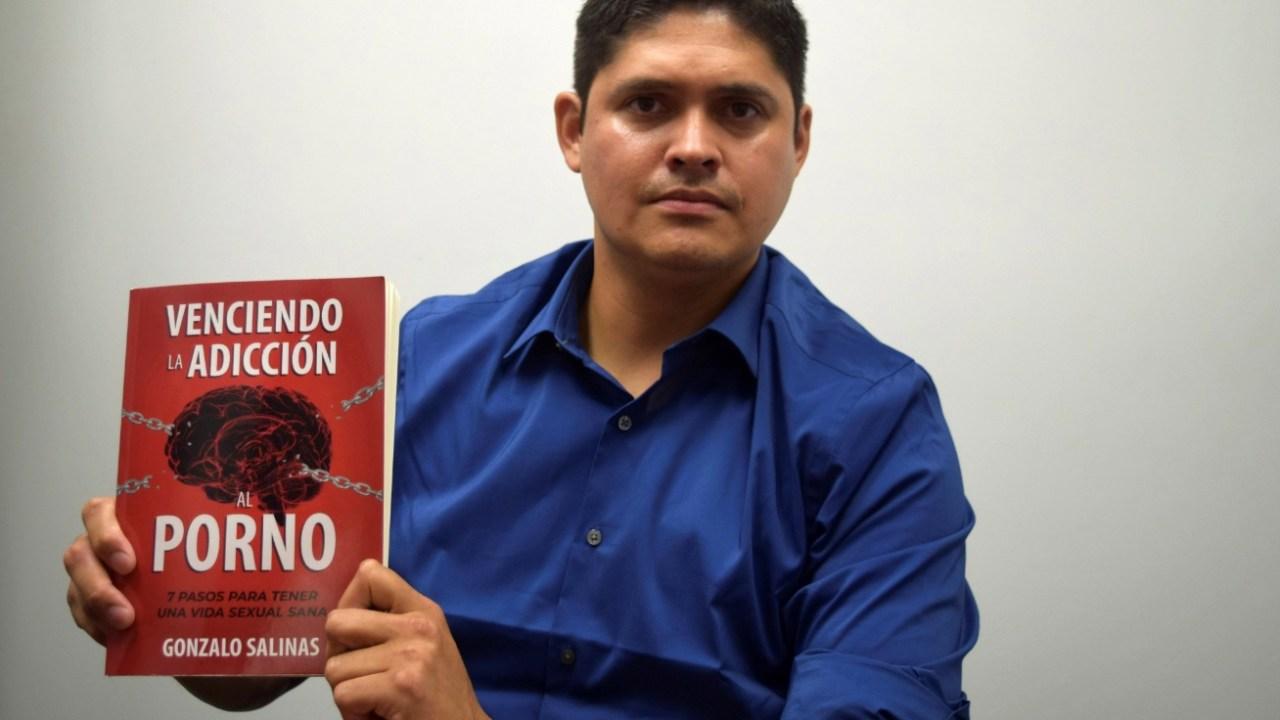 Foto: El peruano Gonzalo Salinas publica en Estados Unidos un manual con siete pasos para vencer la adicción al porno, junio 8 de 2019 (EFE)