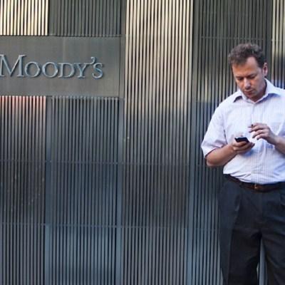Calificadora Moody's cambia perspectiva de Pemex a negativa