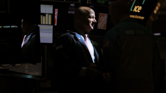Foto: Los comerciantes trabajan en el piso de la Bolsa de Nueva York (NYSE) en Nueva York, Estados Unidos, 24 de junio de 2019 (Reuters)