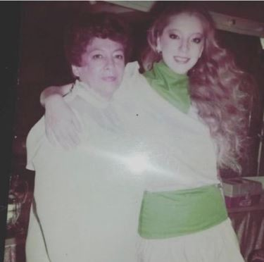 Foto Edith González a lado de su mamá 13 junio 2019