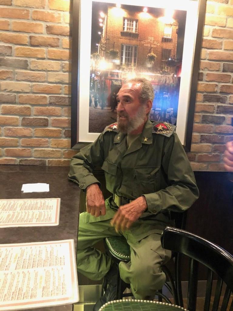 Foto Fidel Castro se pasea en Miami; doble se viraliza en redes 6 junio 2019