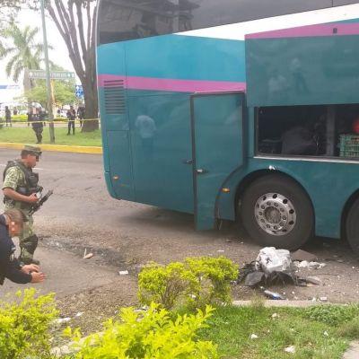 Explota granada en autobús de pasajeros en Uruapan, Michoacán
