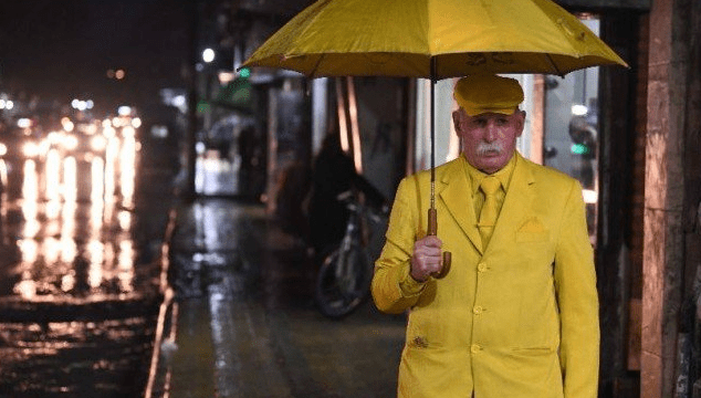 Foto: Hombre viste de amarillo durante años, 13 de junio de 2019, Siria