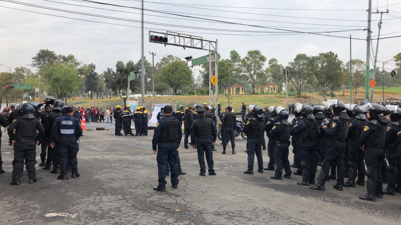 OTO En Iztapalapa, impiden a comerciantes poner el tianguis de Santa Cruz Meyehualco (Noticieros Televisa 7 junio 2019 cdmx)