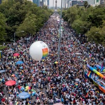 Miles de personas participan en la Marcha del Orgullo Gay en CDMX