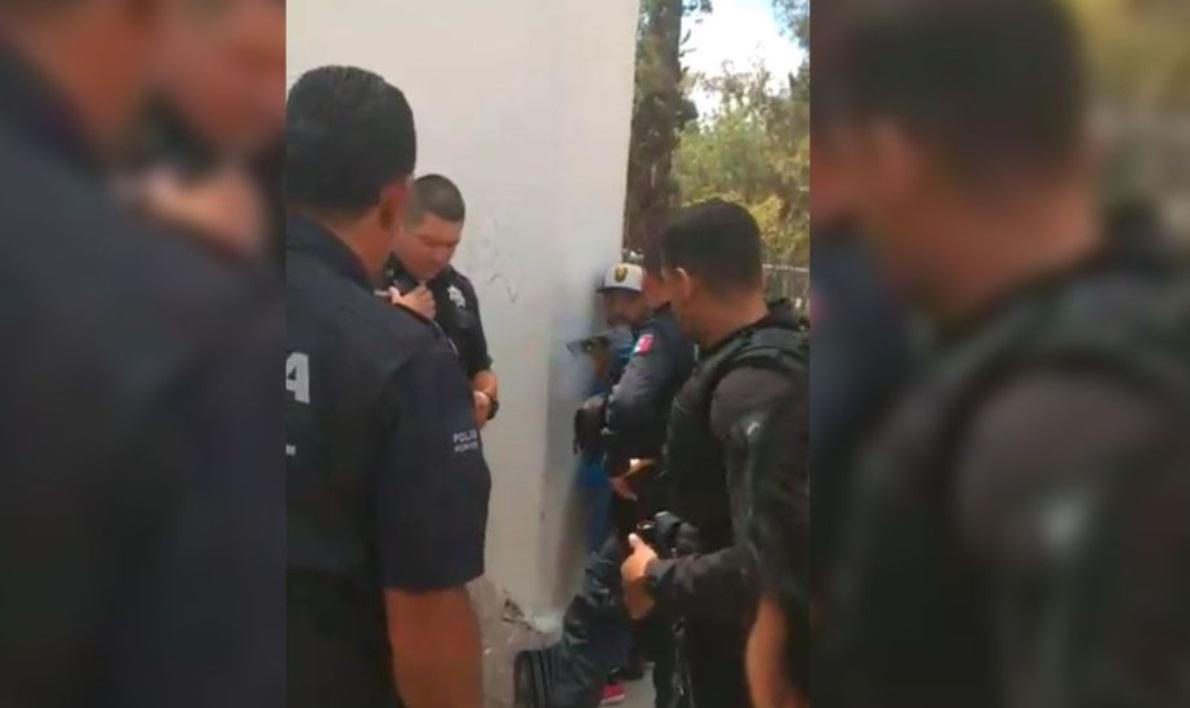 """Foto: El diputado local de San Luis Potosí, Pedro César Carrizales """"El Mijis"""", es detenido en Aguascalientes por participar en una riña, junio 2 (Twitter: @FormosaPrimero)"""