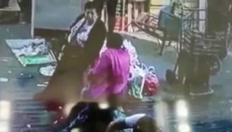 Mujer Aplastada, Central Abasto Puebla, Cajas Verdura, Video, Mujer, Señora Aplastada Por Caja De Verduras