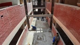 Damnificados del Multifamiliar Tlalpan denuncian reconstrucción con fines políticos