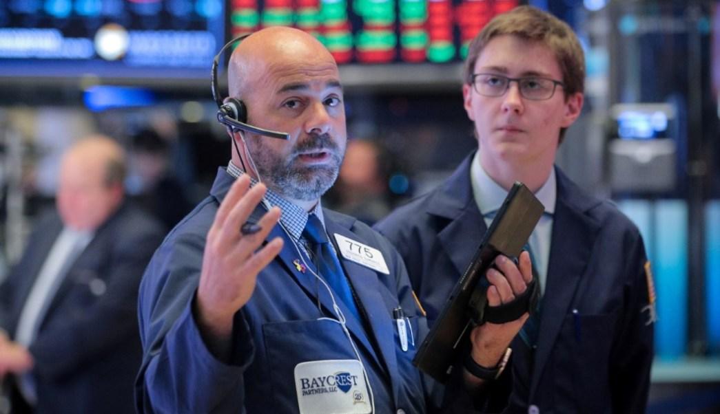 Foto: Los comerciantes trabajan en el piso de la Bolsa de Nueva York (NYSE) en Nueva York, EU, (Reuters)