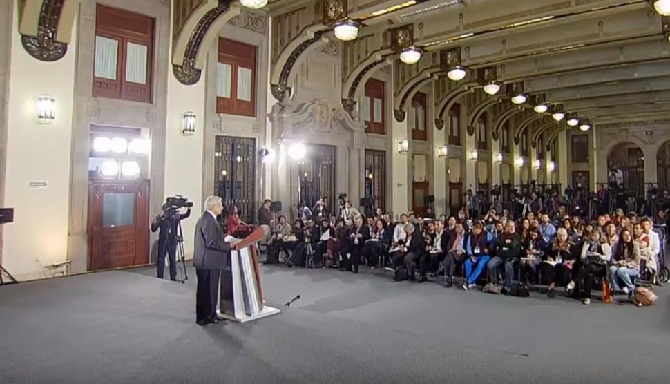 Foto: Reporteros preguntan a López Obrador, 20 de junio de 2019, Ciudad de México
