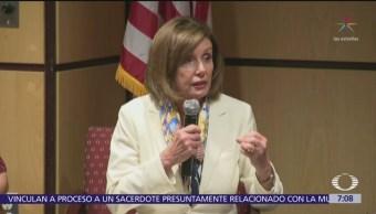 Pelosi condena amenazas de Trump contra familias migrantes