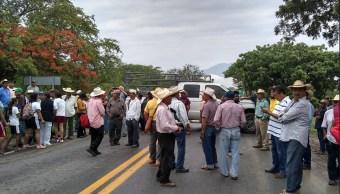 Foto: productores y campesinos exigen la entrega de fertilizante, 13 de junio 2019. Twitter @Gob_Guerrero