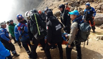 Rescatan a hombre que cayó en la zona volcánica Izta-Popo