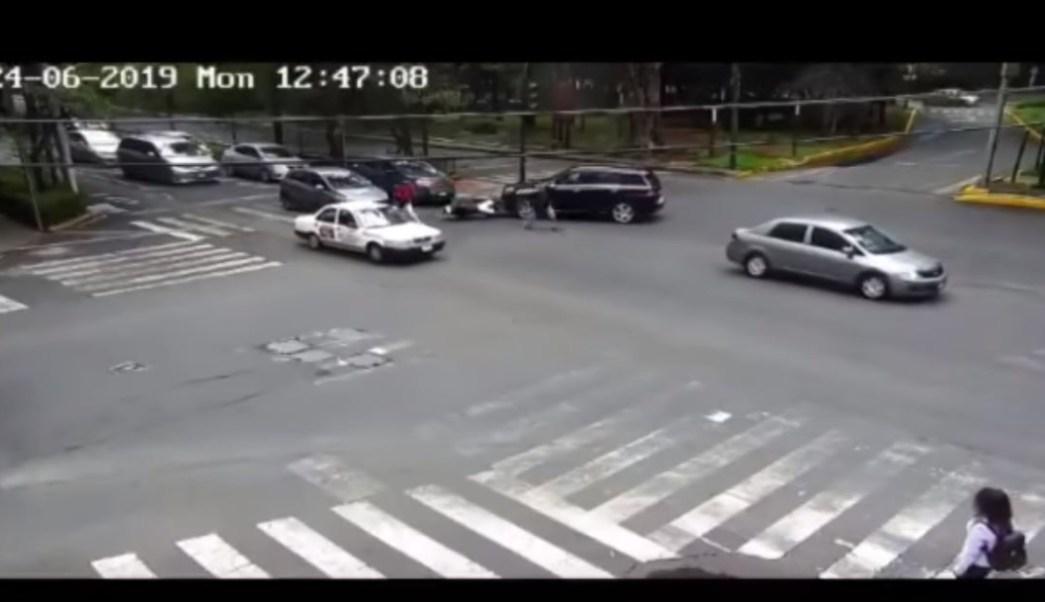 foto Conductores interceptan a ladrones que huían en motocicleta, en Polanco 25 junio 2019