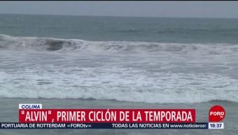 FOTO: Se forma tormenta frente a costas de Colima