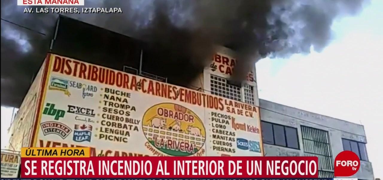Se registra incendio en una distribuidora de carnes en Iztapalapa