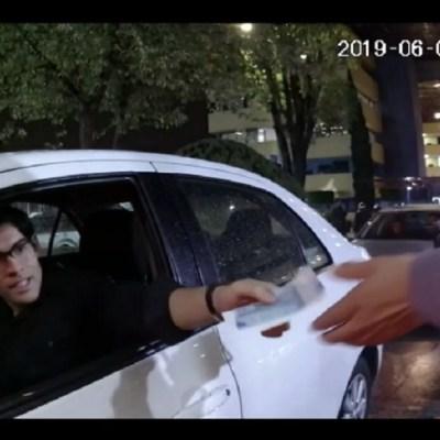 Video muestra a joven minutos antes de ser secuestrado al salir de la universidad