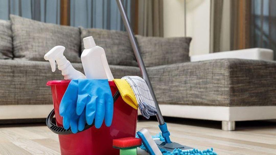 Exige compensación a su ex pareja por 30 años de tareas del hogar