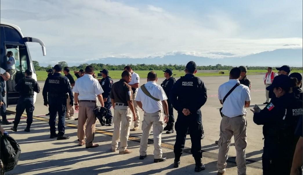 Foto: Deportan a 68 cubanos de Chiapas a La Habana, 3 de junio 2019. Twitter @INAMI_mx